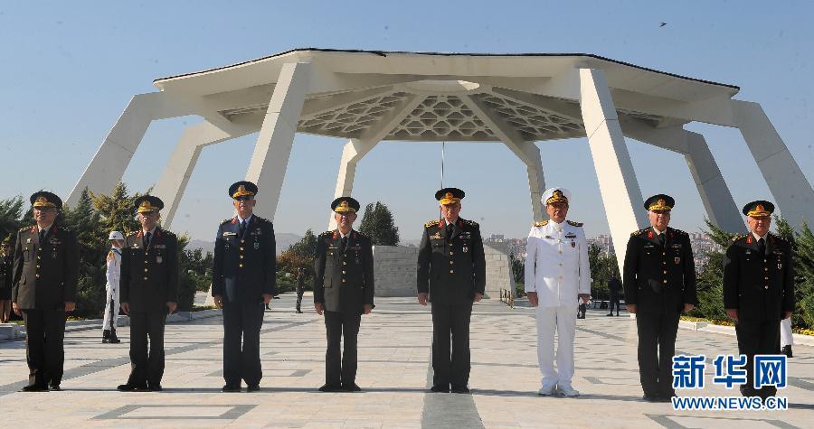 耳其总参谋长及海陆空三军统帅集体辞职(组图)-土耳其总参谋长及