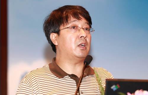 国务院发展研究中心产业经济研究部副部长杨建龙