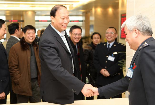 1月20日上午,国家税务总局党组副书记,副局长钱冠林一行来到江苏省