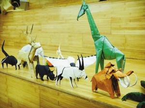 """李星旺制作的""""动物园""""。"""