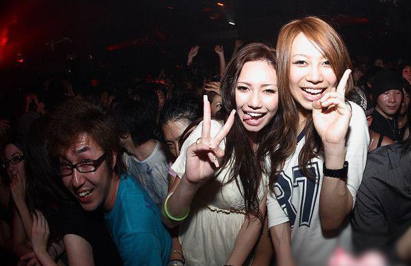 日本夜店日本夜店图片日本大学生夜店美女