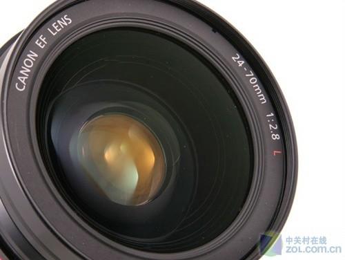 图为:佳能EF 24-70mm f/2.8L USM镜头