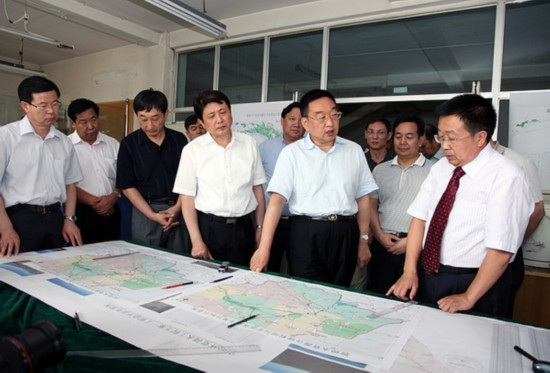 陈雷刘伟平到甘肃省水利水电勘测设计研究院调研指导工作(组图)图片
