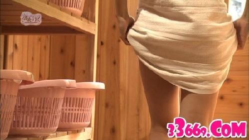 日本美女主播全裸入镜(组图)