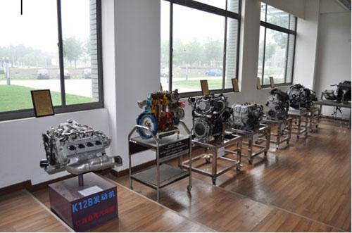 """同济大学的""""中国心""""年度十佳发动机受赠样本室"""