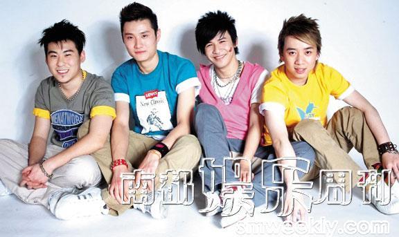 """""""中国第一支未成年乐队""""花儿乐队1998年成立,2009年解散。"""