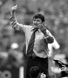 曾经率领西班牙国家队征战过2002年韩日世界杯 CFP资料图片-卡马