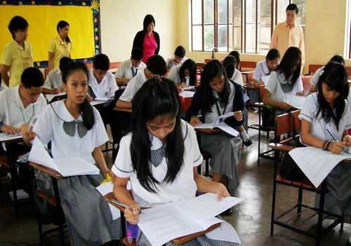 菲律宾中学生中国知识竞赛在17所学校同时开赛(组图)