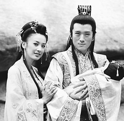 黄圣依(左),杨子主演电视剧《天仙配》