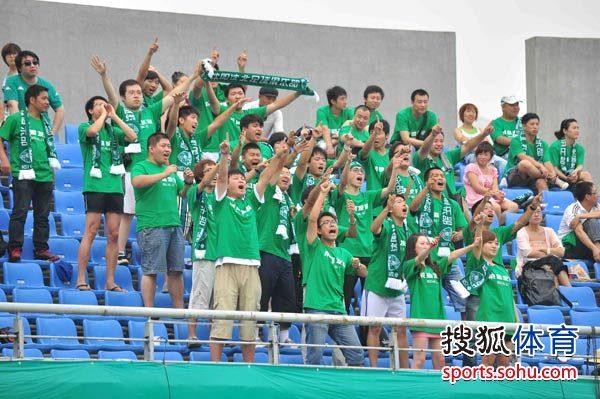 图文:[中甲]沈北1-0东亚 球迷激动