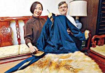 李小龙13件私人遗物在港怕卖 外套拍价达60万(图)
