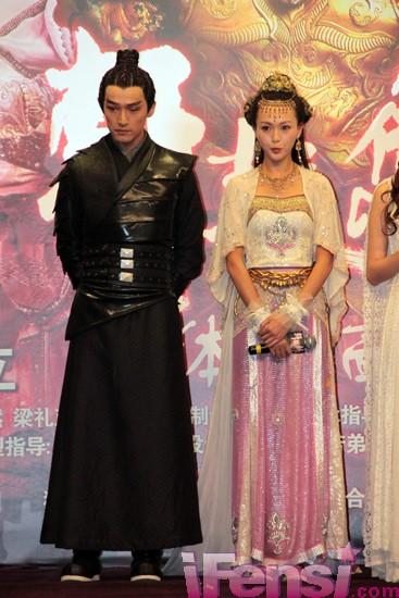 《轩辕剑之天之痕》盛大发布 胡歌唐嫣玩激情