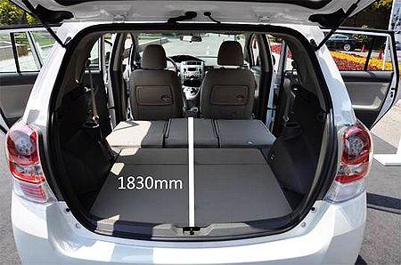 后排座位全部放倒后形成的1830mm的长度,方便行李的摆放或乘驾人员的休息
