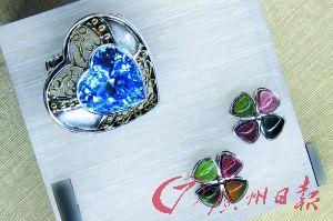 色彩丰富的珠宝。