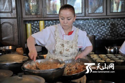 网络民族美食新疆行媒体在伊宁喀赞其感受全国记者我家的记叙文图片