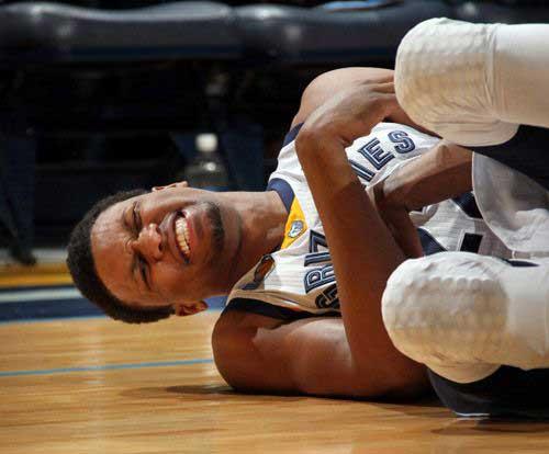 盖伊左肩伤半年重返球场 笑称自己身体都快生锈