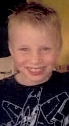 8岁英国男孩刘易斯