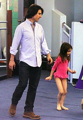 阿汤哥的小苏瑞_阿汤哥送女儿上课 小苏瑞粉色体操服可爱亮相(图)-搜狐滚动