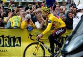 图文:环法赛冠军回国庆祝 埃文斯骑车参加仪式