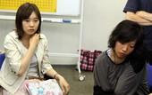 图文:富士通杯半决赛 谢依旻与铃木步关注棋局