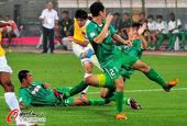 图文:[中超]北京1-0南昌 三人封堵