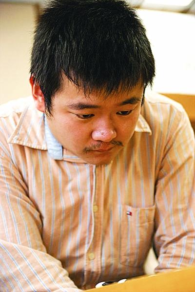 韩18岁棋手 问鼎富士通
