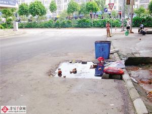 3日上午,我在南宁市良庆区团结路看到,该路与五象大道连接的一斜图片