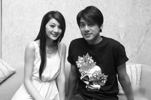 朱孝天是F4中绯闻最多的,他最新的绯闻女友是吴亚馨。