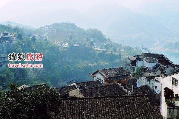 沿途经过芙蓉镇也是赫赫有名的千年古镇 图片来源:王路(搜狐博客),感谢!