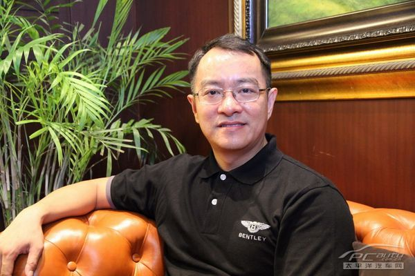 立新设备总经理黄华东生产线加气总部砖图片