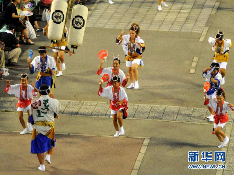 日本德岛阿波舞狂欢 传统魅力无穷(组图)