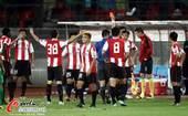图文:[中超]北京3-1成都 李洪洋被红牌罚下