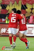 图文:[中超]广州4-1深圳 郑智庆祝进球