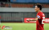 图文:[中超]广州4-1深圳 郜林不满判罚