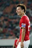图文:[中超]广州4-1深圳 郜林庆祝进球