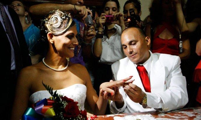 jimotongxinglian_古巴变性女与男同性恋结婚_新闻图站_中国广播网