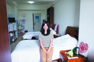前日,一名日本女生在北大中关新园留学生宿舍。