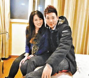 张丝丝在电视相亲节目中牵手成功
