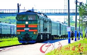 20日,金正日搭乘的专列驶入俄罗斯边境城市哈桑火车站。