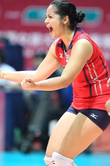 图文:美国女排3-0秘鲁 塔玛丽激情庆祝