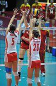 图文:中国女排3-0横扫波兰 惠若琪遭双人拦网