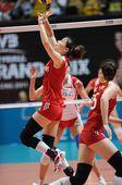 图文:中国女排3-0横扫波兰 魏秋月组织背飞
