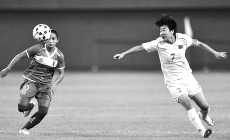 毕妍是这支大学生女足的核心