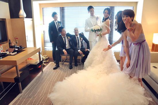 lanyu婚纱价格_动漫婚纱情侣头像