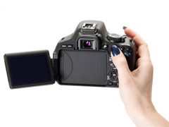 图为:佳能单反相机E0S 600D