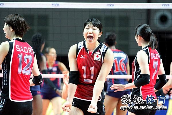 图文:总决赛美国女排3-0日本 日本女排叫喊