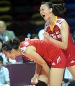 图文:中国女排2-3塞尔维亚 惠若琪激情呐喊