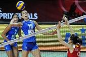 图文:中国女排2-3塞尔维亚 拉西奇扣球