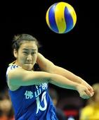 图文:中国女排2-3塞尔维亚 单丹娜垫传