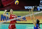 图文:中国女排2-3塞尔维亚 徐云丽跳起扣球